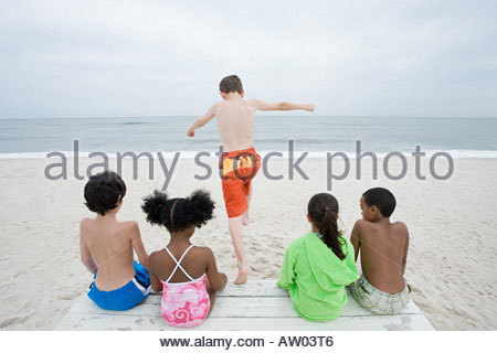 Junge, springen - Stockfoto