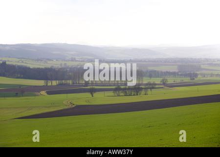 Im Winter ist die Landschaft von einer Ebene in der Region des Bourbonnais. Paysage de Plaine, En Hiver, Dans le - Stockfoto
