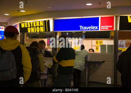 Wechselstube western union bank kowloon hong kong china stockfoto