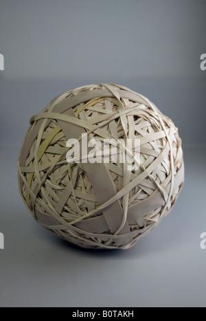 Eine Kugel, bestehend aus Gummibänder - Stockfoto