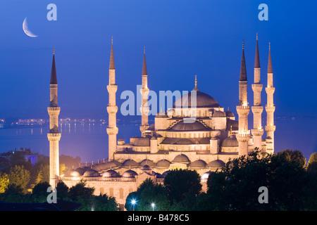Halbmond über Sultan Ahmed Moschee blaue Moschee Türkei Istanbul - Stockfoto
