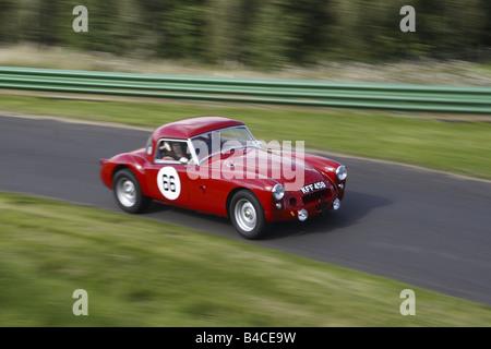 Roter Sportwagen - Stockfoto