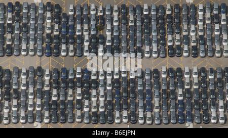 Luftaufnahme der Lieferung Parkplatz für Zafira Neuwagen im Opel-Werk Bochum, Ruhrgebiet, Nordrhein Westfalen, Ger - Stockfoto