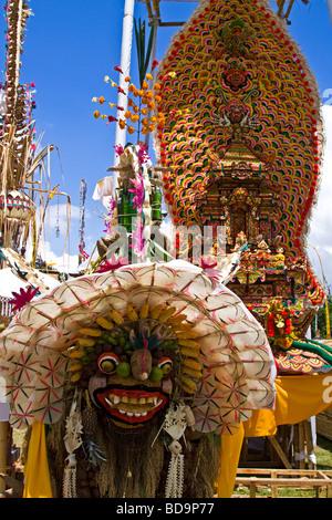 Angebote im Tempel-Zeremonie am Besakih Mutter Tempel Bali Indonesien - Stockfoto