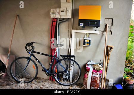"Paris, Frankreich, grünes Haus, Solarenergie, Passivhaus, ""Maison passiv"", Öko-Haus außerhalb Vorort Fahrrad - Stockfoto"