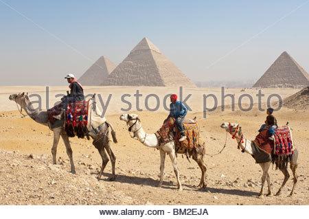 Die Pyramiden, Gizeh, UNESCO-Weltkulturerbe, in der Nähe von Kairo, Ägypten - Stockfoto