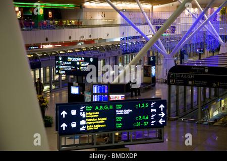 KLIA Kuala Lumpur International Airport Abflug - Stockfoto