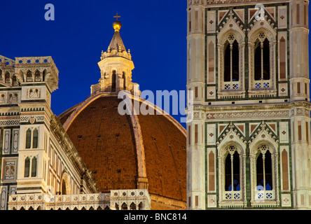 Abenddämmerung am Duomo Santa Maria del Fiore in Florenz Toskana Italien - Stockfoto