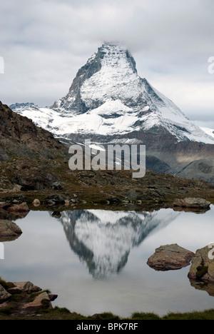Riffelsee See Matterhorn Reflexion Gornergrat Bahn Rotenboden Station Mont Cervin Matterhorn Alpen Bergblick - Stockfoto