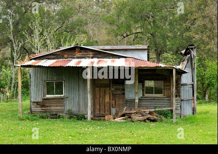 Wellblech-Busch-Hütte in Australien - Stockfoto
