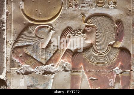 Linderung von Horus und Seti im Tempel von Sethos I bei Abydos, alten Abdju, Niltal Ägyptens - Stockfoto