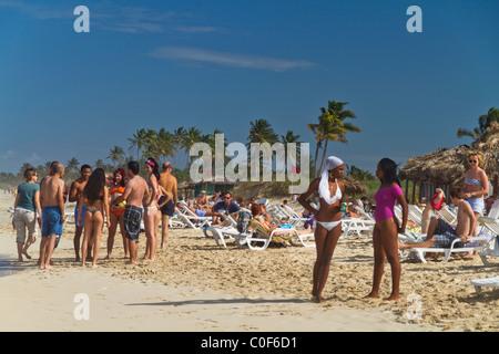 Teenager in Playa del Este, Santa Maria Del Mar, in der Nähe von Havanna Kuba - Stockfoto