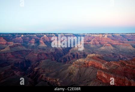 USA, Arizona, Sonnenuntergang am Südrand des Grand Canion, gesehen aus der Sicht der Mutter - Stockfoto