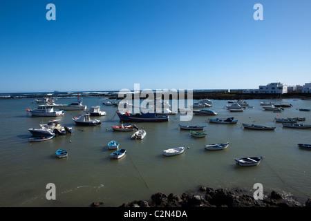 Hafen von Orzola - Stockfoto