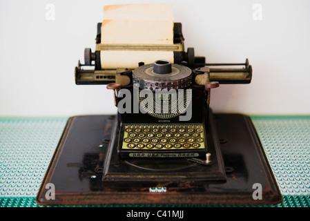Antike Schreibmaschine - Stockfoto