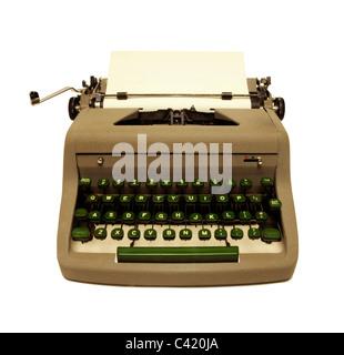 Jahrgang der 1950er Jahre Reiseschreibmaschine auf weißem Hintergrund - Stockfoto