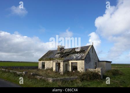 alte verlassene irish cottage county limerick irland stockfoto bild 89454378 alamy. Black Bedroom Furniture Sets. Home Design Ideas