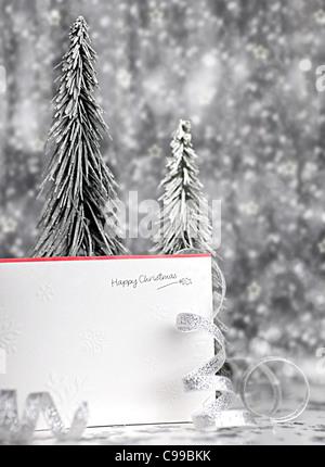 Frohe Weihnachten Weihnachtskarte Hintergrund mit blur, Beleuchtung, Dekoration & ornament - Stockfoto