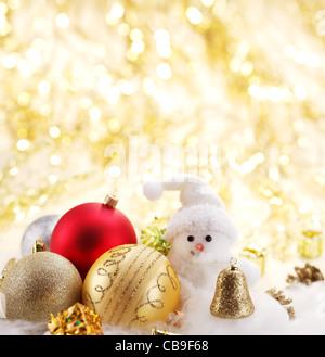 Weihnachtskugeln mit einem Schneemann - Stockfoto