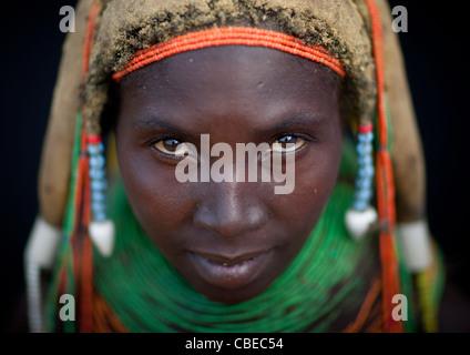 Mwila Trägerin der Vilanda Halskette, Chibia Bereich, Angola - Stockfoto