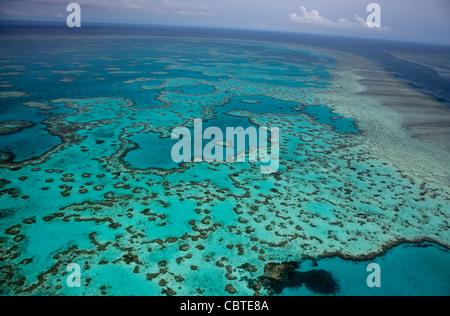 Luftaufnahmen der schönen Heart Reef in das spektakuläre Great Barrier Reef in der Nähe der Whitsunday Islands in - Stockfoto