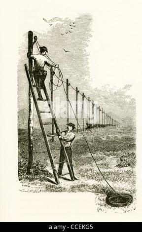 Samuel Morse war maßgeblich an der Erfindung eines Eindraht Telegraph-Systems im Jahre 1838 — zwei Männer hängen - Stockfoto