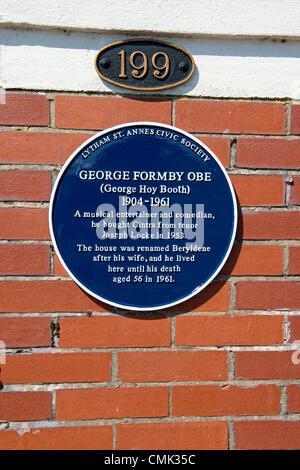Eine blaue Plakette wurde vorgestellt bei Entertainer George Formby ehemaliges Haus in Lytham St Annes, Lancashire. - Stockfoto