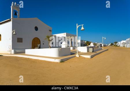 Die Kirche in der Stadt von Caleta del Sebo, Insel La Graciosa, Kanarische Inseln-Spanien - Stockfoto