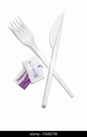 Kunststoff Messer und Gabel mit Salz und Pfeffer Beutel - Stockfoto