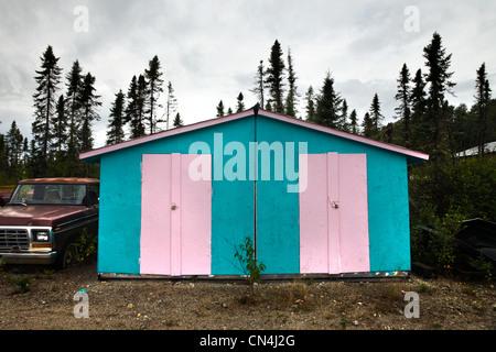Schuppen in Pink und blau lackiert - Stockfoto