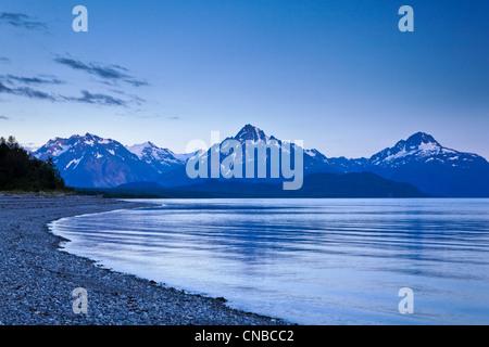 Blick auf Mount Wright gesehen von Gans-Bucht bei Dämmerung, Glacier Bay Nationalpark & zu bewahren, südöstlichen - Stockfoto