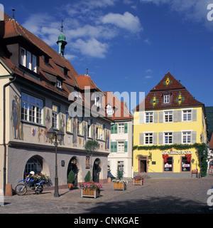Marktplatz in Haslach Im Kinzigtal, Schwarzwald, Baden-Württemberg, Rathaus Und Hohes Haus - Stockfoto