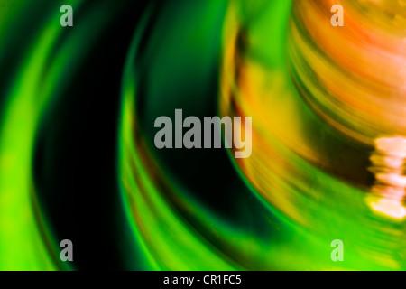 Nahaufnahme des farbigen Glases. Abstraktes Bild mit einer hohen Vergrößerung-Makro-Objektiv aufgenommen. - Stockfoto