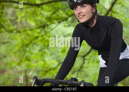 Radfahrer, Radfahren im park - Stockfoto