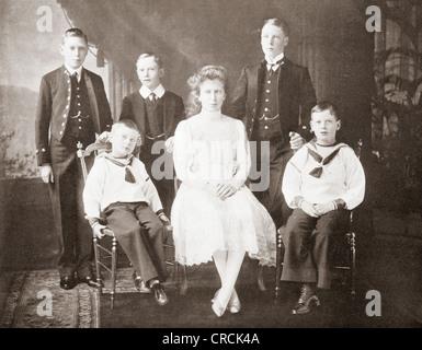 Kinder von König George V. Left nach rechts, Prinzen Albert, John und Henry, Prinzessin Mary, Prinz Edward von Wales, - Stockfoto