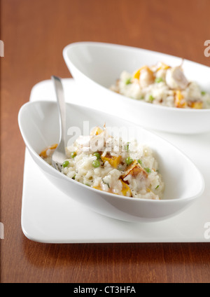 Nahaufnahme von Schüsseln mit risotto - Stockfoto