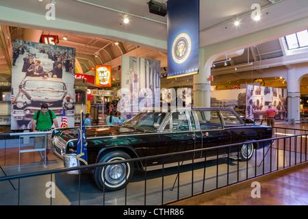 Die Präsidentschaftswahlen Limousine in der Präsident John f. Kennedy erschossen wurde, das Henry Ford Museum, Dearborn, - Stockfoto