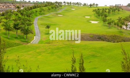 Gran Canaria Meloneras golf, grünen Rasen und Palmen auf den Kanaren - Stockfoto