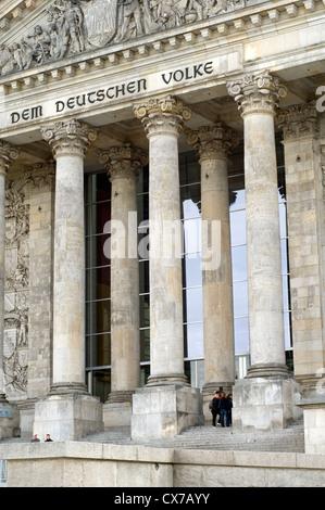 Außenseite des Reichstagsgebäudes in Berlin, Deutschland - Stockfoto