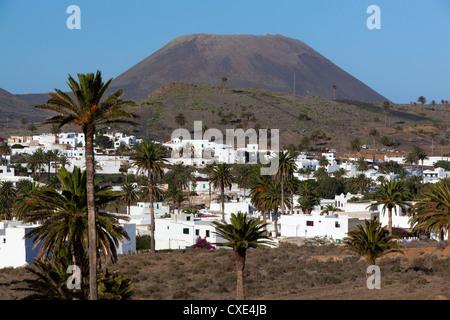 Blick über Dorf Haria, Lanzarote, Kanarische Inseln, Spanien - Stockfoto