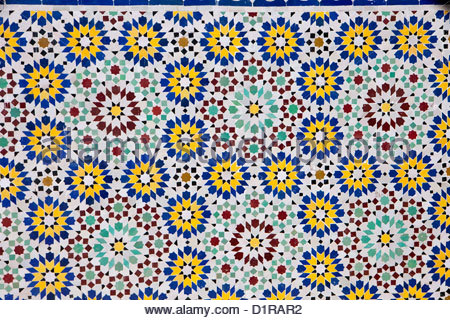 Marokko, Tamegroute, in der Nähe von Zagora, Mosaik. - Stockfoto