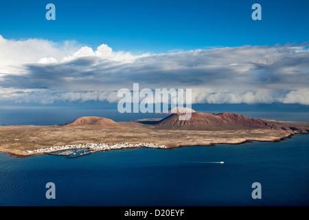 Blick von der Insel La Graciosa, Lanzarote, Kanarische Inseln, Spanien, Europa - Stockfoto