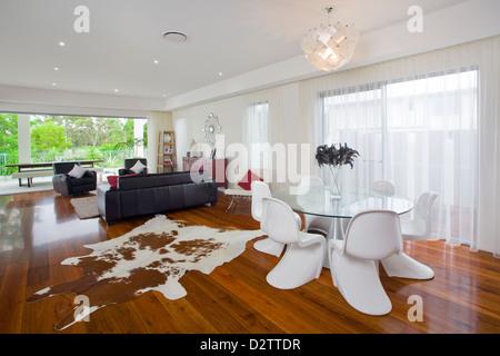 Modernes Wohnzimmer in australischen Herrenhaus - Stockfoto