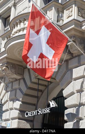 Paradeplatz, UBS, Credit Suisse, Schweizer Fahnen, 1. August, nationale Feiertage, Schweiz, Zürich, - Stockfoto
