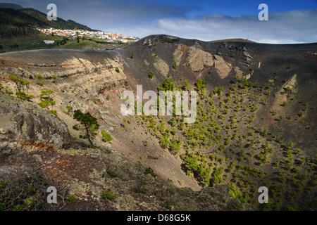 La Palma, Kanarische Inseln - Volcano Park von San Antonio, Fuencaliente, südlich der Insel. Der Krater. - Stockfoto