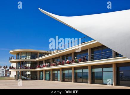 Freilichtbühne am De La Warr Pavilion, Bexhill am Meer, East Sussex, England, UK, GB, EU, Europa - Stockfoto