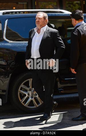 New York, USA. 1. Mai 2013. Harvey Weinstein, tritt sein Amt Tribeca unterwegs für Promi-Schnappschüsse - Mi, Tribeca, - Stockfoto