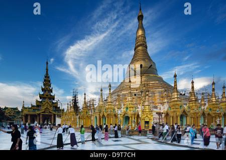 Shwedagon Pagode in Yangon, Myanmar (Burma) - Stockfoto