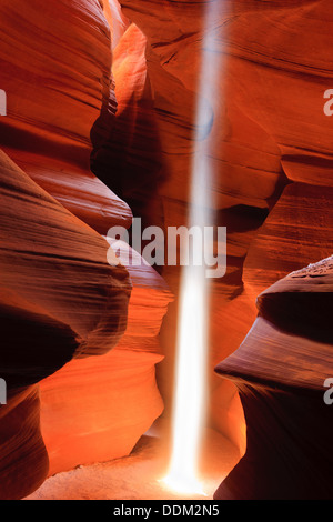 Lichtstrahlen im Upper Antelope Canyon, Page, Arizona - Stockfoto
