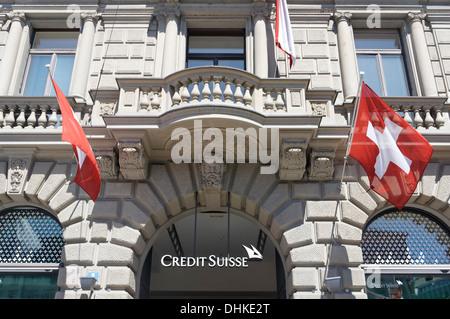 Bank, Credit Suisse, Paradeplatz, UBS, Credit Suisse, Schweizer Fahnen, 1. August, nationale Feiertage, Zürich, - Stockfoto